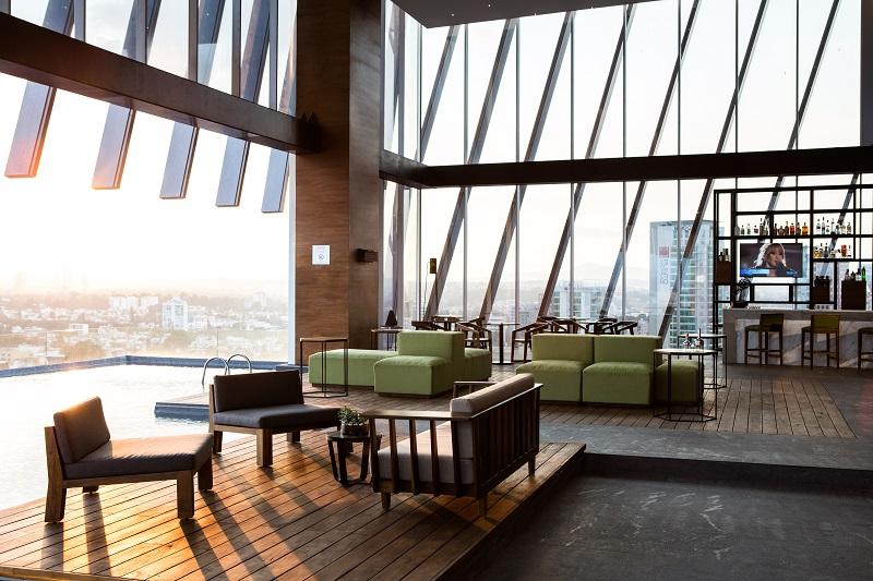 045_Pool bar and lounge_6965