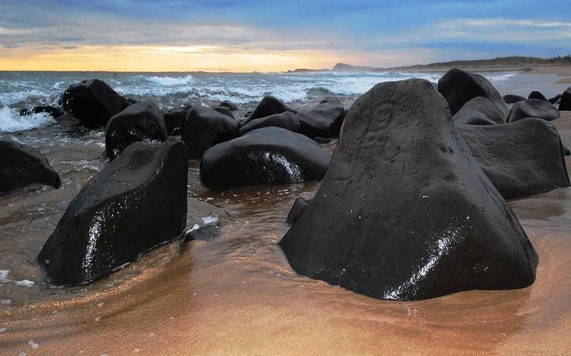 Petroglifos en Playa Las Labradas, San Ignacio, SL