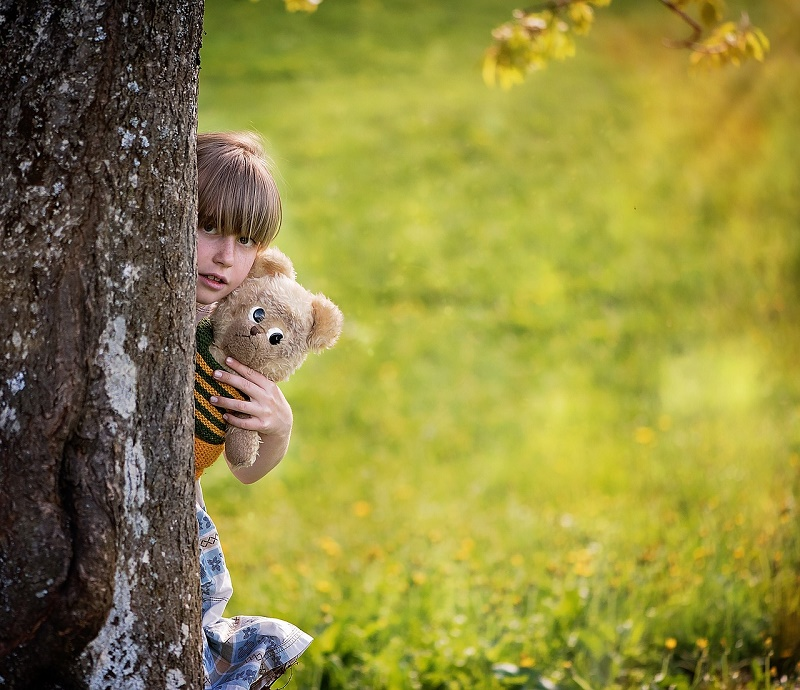 child-830725_1280