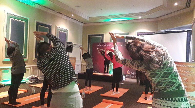 2 rutinas de yoga para mejorar tu salud digestiva