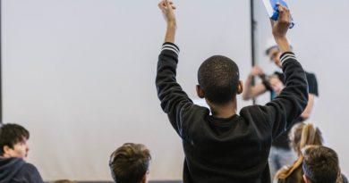 """Participa en el concurso escolar """"Nuestro  Planeta es la Neta"""". Recicla y gánate una computadora"""
