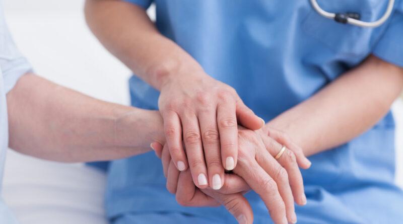 Mieloma múltiple: acciones de autocuidado, manejo del dolor y cuidados paliativos