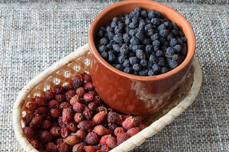 dried berry fruits roses and blueberries