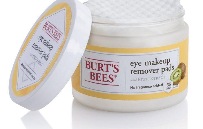 Experimenta la innovación hexagonal de las nuevas Eye Makeup Remover Pads que Burt's Bees tiene para ti