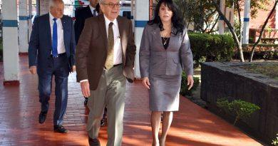 Presentan a nueva directora del Hospital General de México